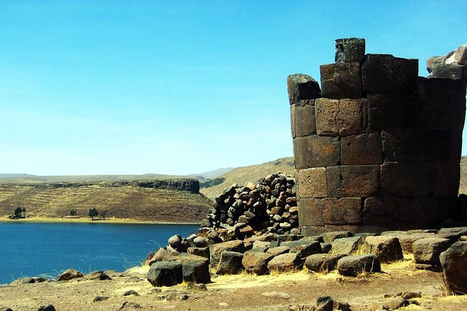 On this full-day guided tour you'll visit the Islands of Uros and Taquile, and travel overland to Sillustani. Speedboat traveling means less travel time to be able to visit the Sillustani ruins. Take a private tour of the famous Sillustani chullpas, where you can discover the lagoon called Umayo and visit the pre-Inca and Inca tombs.