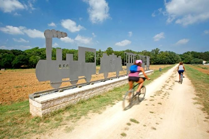 7-Day Bike Tour from Olot Volcanoes to the Costa Brava, Figueras, ESPAÑA