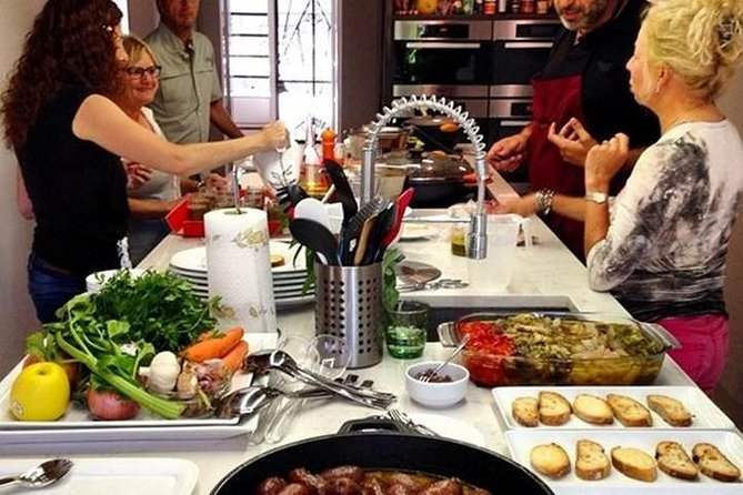 The traditional cooking class in Girona shows you the philosophy to approach the Catalan and Spanish cuisine and products with intimate classes in a home-like environment.
