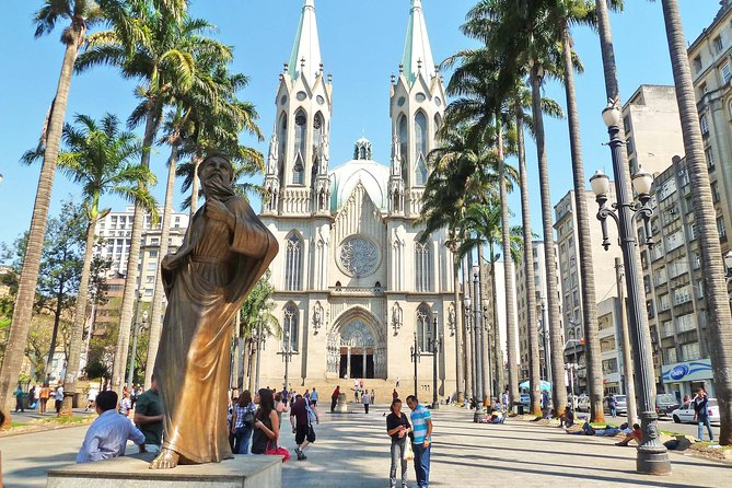 To see one of the biggest cities in the world requires time or someone that really knows the place very well, so you can optimize your time and see the best places of Sao Paulo in a short time. We can help you to do that in a quite short time. In 6 hours it's possible to do a general tour in this huge city, visiting the most important attractions with a comfortable vehicle and someone that really knows the place. We will be able to get out of the car many times to see inside of some of the attractions like the food Market, the cathedral, the foundation building, the Soccer Stadium, and etc. <br><br>This tour is flexible and we can manage it according to your interests.