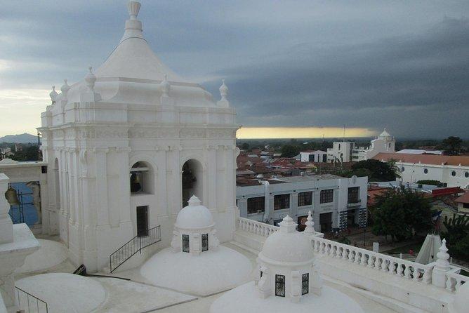 Recorrido por la ciudad de León, Leon, NICARAGUA
