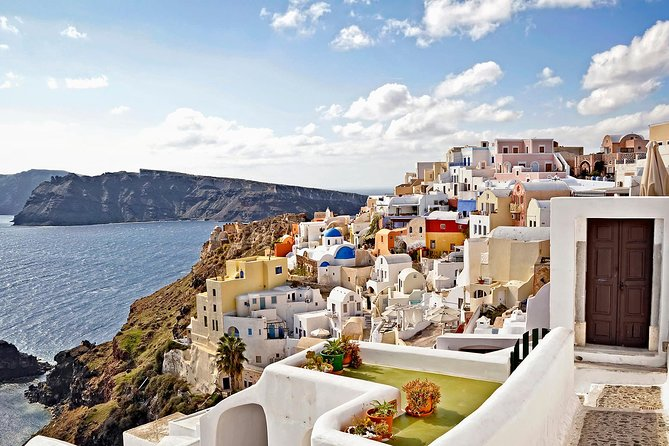 First time in Santorini? Get to know the most beautiful island in the company of a knowledgeable and friendly guide.<br><br>Santorini is not only a beautiful, but also a very fascinating island. Learn about the volcanic history and visit the famous villages built at the cliffs of the caldera. Climb up to the highest point of the island and savor local delicacies and wines. If you visit Santorini for the first time or you don't get to spend many hours on the island, don't worry about your itinerary, let us show you the most important highlights.