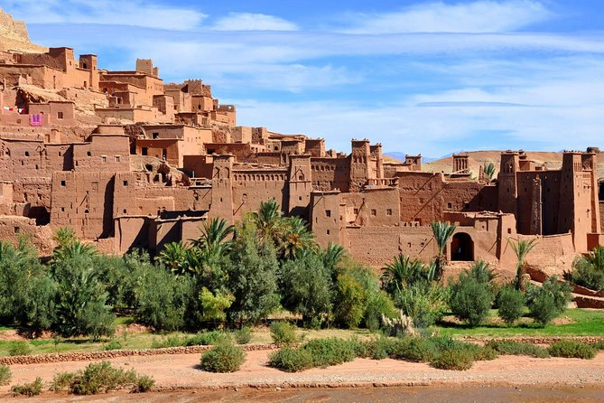 Ait Ben Haddou and Telouet Kasbahs day trip will give you the chance to experience the best of the south, learn more about the Glaoui tribes and visit the most famous kasbahs of Morocco. Cross the Atlas Mountains and take the road to the Sahara Desert and the old caravane routes.