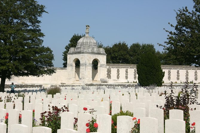 This is a tour for history buffs! We take you to the scene of the first gas attacks and of the bloodiest battle in Flanders Fields: Passchendaele and Tynecot the world's largest Commonwealth cemetery. The focus is on the sacrifice of the British, Canadian, Australian, New Zealand and American soldiers. We also take you out to France where we visit Vimy Memorial and the trench site. The highlight of the tour is the Last Post Ceremony at Menin Gate in Ypres
