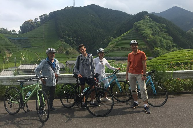 Fashionable and comfortable rental hybrid bikes from JR Shizuoka Station (1 hour by bullet train from Tokyo Station) <br><br>(Louis Garneau Chasse or Merida Crossway) <br><br>We can suggest some recommended courses which is suitable for your interests. <br><br>(along river, along sea, green tea farm in countryside, historical shrine, e.t.c)