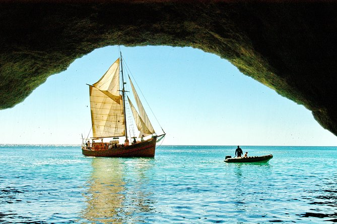 Set sail on the Pirate Ship Leãozinho and experience the most beautiful spots along the Algarve Coast. We'll visit white sand beaches, beautiful caves and grottos, and lunch on a private beach. <br><br>This trip starts at the Marina of Albufeira and has a duration of 6 hours.