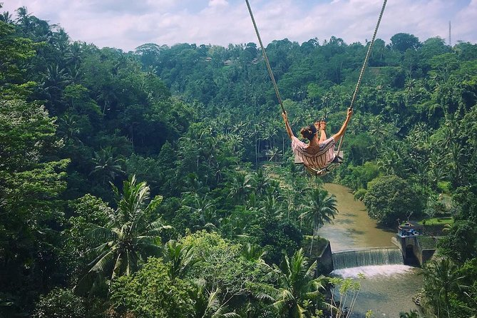 Triple Activities Rafting,ATV Ride and Giant Swing Tour Package is combo activities by offering you to enjoy white water rafting adventure at Ayung River and then riding ATV bike After Atv we will take you to enjoyed The giant Swing. Bali Rafting,ATV Ride and Swing Tour is an Bali Triple Activities Tour Packages we created by allowed you to enjoy three activities in one day, <br><br> Tour Highlight  <br> • Family Friendly<br> • Drive a powerful quad bike on jungle terrain past rice fields and indigenous Indonesian villages<br> • Go rafting on the exhilarating rapids of the Ayung River<br> • Lunch included <br> • all transportation included