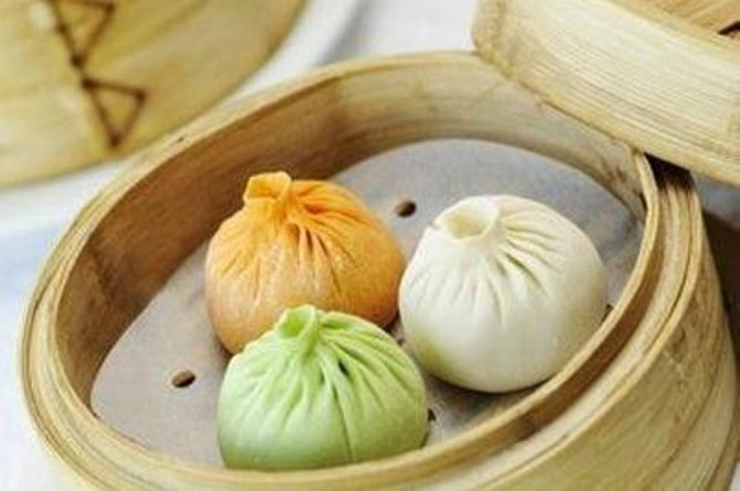 Enjoy a night in Guangzhou by delicious Cantonese Dim Sum at famous Diandoude Restaurant in town. Followed by a 60-minute romantic night cruise on beautiful Pearl River where you can see amazing city landmarks, such as The Canton Theater, IFC, Canton Tower, and etc.. This 4-hour private night tour lights up your trip in Guangzhou. Dinner, cruise ticket, private guide and driver service are all inclusive.