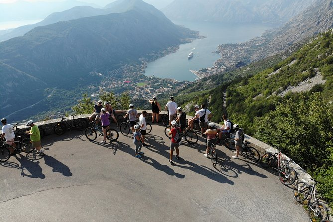 When we say EPIC, we mean it. 25 Turns is a truly BEAUTIFUL BIKE RIDE. It is an easy, mostly downhill bike ride with panoramic views of Montenegro, Bosnia and Croatia. This is a tour for all levels and everyone who can ride a bike can do it. Tour takes about 3 hours depending on the rate of descent and number of photos stops made, so very appropriate for cruise ship passengers or those on a time budget. Our vehicles will take you to Krstac where your guide will give you a short history of the area and a safety briefing before you begin on this epic 24 km bike descent to Kotor.