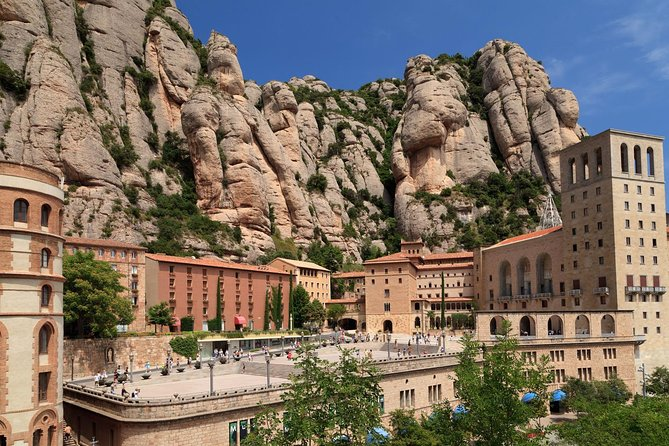 Discover the jewel in Catalonia's crown before the crowds arrive on this morning access to Monserrat. With this tour, you will visit the Santa Maria of Montserrat Abbey with your guide. Admire the abbey's impressive Gothic and renaissance architecture, and gain insight into the role it plays in Catalonia's rich culture.