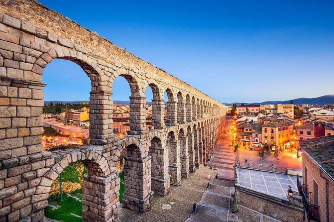 Don't miss the opportunity to visit Segovia and El Escorial with this tour that leaves from Avila! Discover two of the main cultural and historical attractions of the Spanish plateau and World Heritage Site: Segovia, where you can see one of the best preserved Roman aqueducts in the world, and the Monastery of El Escorial and its basilica, burial place of the kings of Spain.