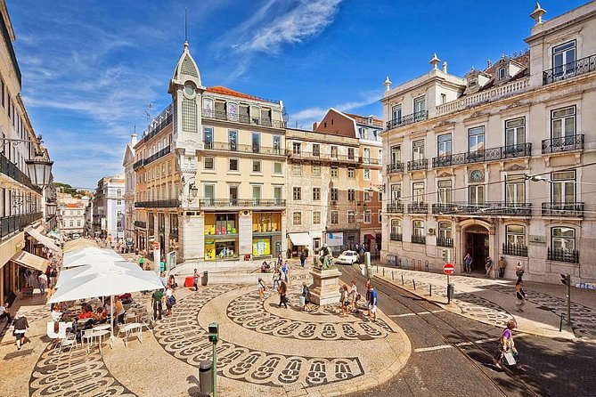 Why not a tour of Lisbon and Sintra in a single day?<br><br>If you are in Lisbon for a few days and want to make the most of it, this is the perfect tour, since it combines the best of Lisbon and its surroundings. <br><br>Meet the historic district Alfama where fado was born, take a stroll through the narrow and labyrinthine streets that contrast with the immensity of the Baixa squares, such as Rossio and Praça do Comercio.<br><br>Then we go to Sintra is UNESCO World Heritage, capital of romanticism, place the royal family's summer residence.<br><br>Cabo da Roca the westernmost point of Europe, pass by the beautiful Guincho beach and reach the village of Cascais, known for its bay where fishermen boats are still seen today.<br><br>The return trip will be made along the coast to Belem, where we will visit the famous quarter of the Portuguese discoveries: Monastery of Jerónimos, Belém Tower and Monument to the Discoveries.