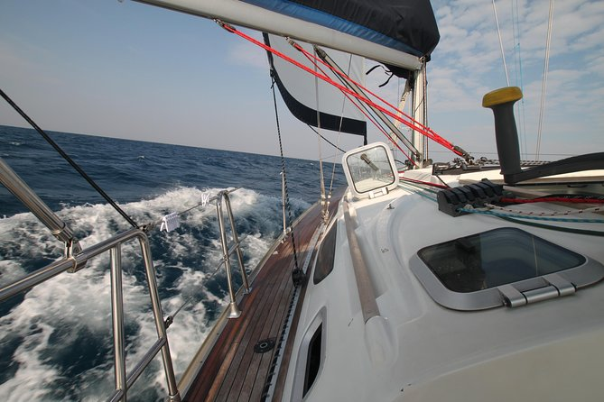 Liveaboard sailing cruise throught tranquil islands and lagoons of Koh Mak, Koh Wai, Koh Chang with comfort and peace. Your perfect private gateway wherever you want it.While underway, you are free to leave the sailing to our experienced crew or lend a hand and learn the arts of the sailor.