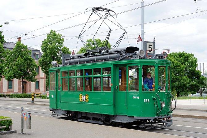Excursión por tranvía clásico del domingo en Basilea, Basilea, SUIZA