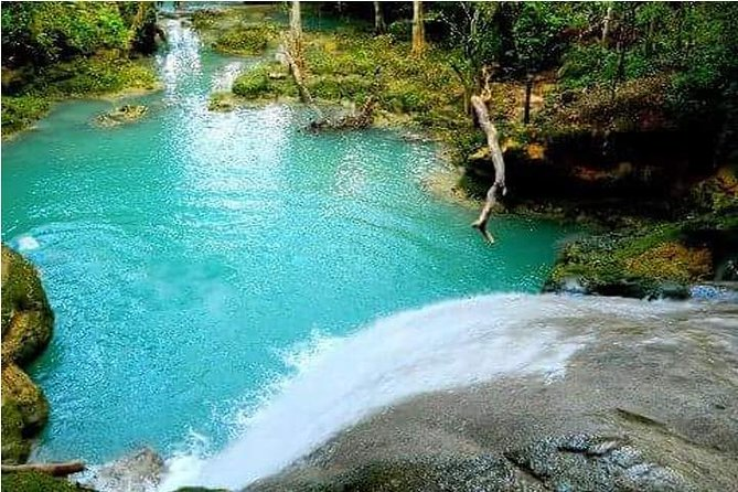 Visit the Blue Hole natural pools in the jungle for afun-filled adventure and must see attraction in the hills of Ocho Rios, Jamaica. If you have a love for natural waterfalls, flora and different species of wild life such as birds, iguanas, crocodiles and snakes, then Konoko Falls Park is the place for you.
