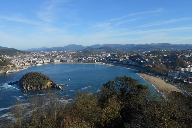 This private San Sebastian city and coastal tour gives you the opportunity to experience the amazing Basque city of San Sebastain. San Sebastian is one of the most beautiful and elegant cities in Europe. The city has some of the best gourmet pintxo (tapas) bars in the the region, a quaint old quarter, and an absolutely stunning beach in the city center. You will also experience the dramatic and rugged coastline of the Basque Country where we will stop for some visually stunning photo opportunities. We make a stop to see ancient Flysch cliff formations of Zumaia and the GeoPark. The scene overlooking the Atlantic Ocean will leave a lasting impression. This was also a shooting site for season 7 of the Game of Thrones television show. Lastly, we will stop off in the small port city of Getaria for lunch (not included) where you will have the chance to taste some of the finest fish/seafood in Europe!