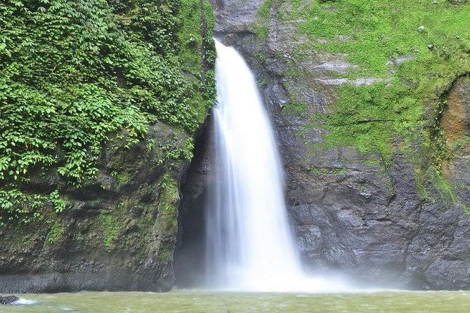 Enjoy fascinating vistas of typical rural scenery along the drive to Pagsanjan. Incredibly picturesque falls and thrilling rapids have become famous worldwide and promise a truly memorable experience.