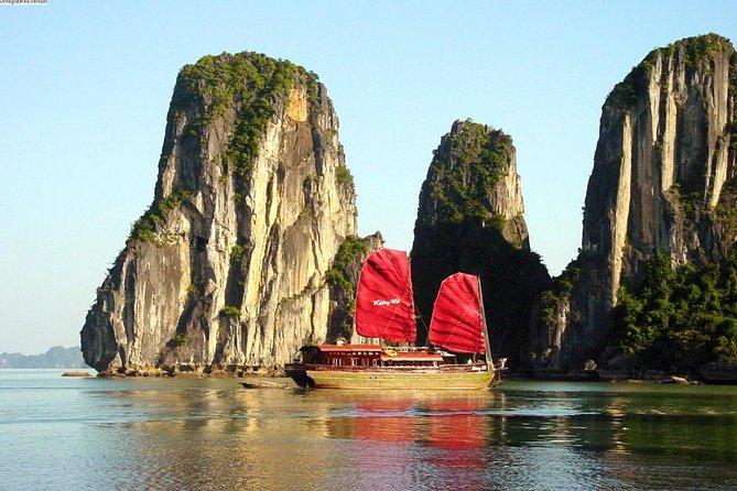 3-Day Luxury Cruise from Hanoi Exploring Halong and Lan Ha Bays with Kayaking or Bamboo Boat Rides, Halong Bay, VIETNAM