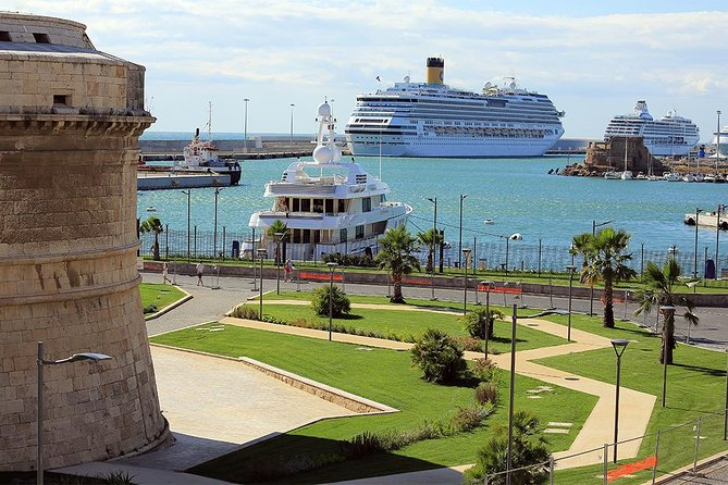 For a hassle-free cruise transfer, arrange private transportation from central Rome to Civitavecchia Port.Drivers and cars are licensed to get by<br>the ship you do not need any extra transportation to board your cruise!Transfer services are available 7 days a week.