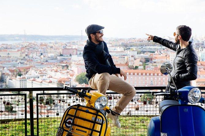 MÁS FOTOS, Excursión privada en Vespa por Lisboa