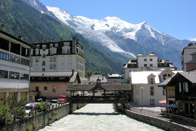Enjoy stress free transportation to visit Chamonix Mont-Blanc, discover magnifique and amazing view, a professional driver will pick you up at any location in Montreux city with a private Mercedes minivan. From our meeting point, we will drive for 1 hour towards Chamonix, after crossing the border, we will take the highway in this long green valley surrounded by mountains. Gradually when we mounted the vineyard we will see the first peaks and eternal snows of Mont Blanc. We enter the Chamonix Valley and we will enjoy these beautiful landscapes with multiple photo stops.