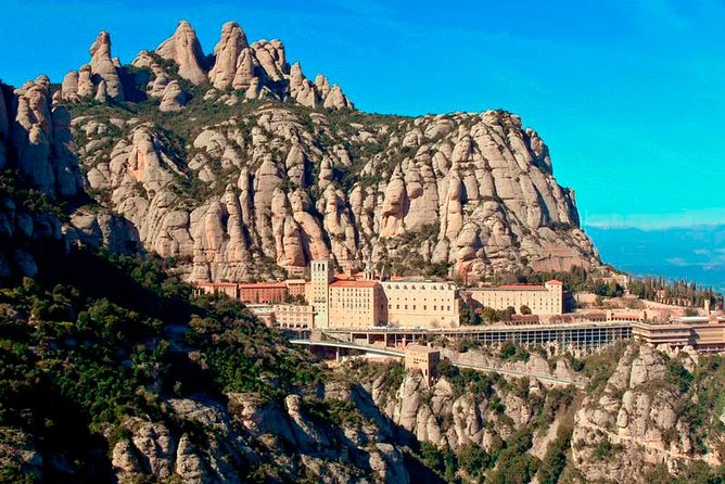 Private Tour Barcelona and Montserrat 8 hours, Barcelona, Spain