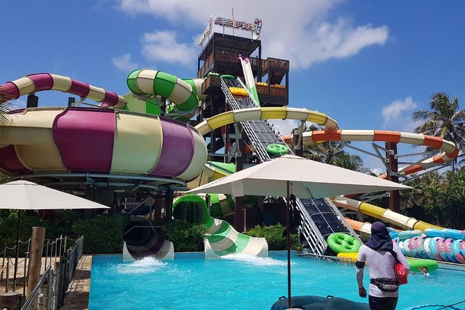 Make your day in Fortaleza even more enjoyable with a transfer to the family-friendly Beach Park! The transfer will take you to the Beach Park, locatednear Fortaleza by the seashore. It is a complex with a hotel, souvenir store, museum and an Aqua Park. The water-slides, waterfalls, an artificial river, and two aquatic structures found only in Brazil will guarantee entertainment for all ages in a perfect environment!