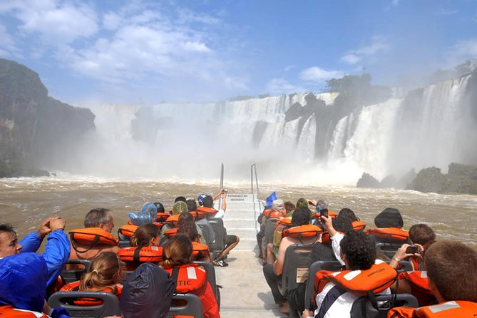 This must see 6-hour tour affords a spectacular view of Iguassu Falls from the Argentinian side of the border. A different view from the other side of the border paints this marvelous natural beauty in a different exciting way. Find a great perspective of the Garganta do Diabo waterfall, the biggest waterfall in the park. Drive through the jungle and hike a trail that leads to the waterfalls and a boat ride. This is everything you could want in an adventure tour.