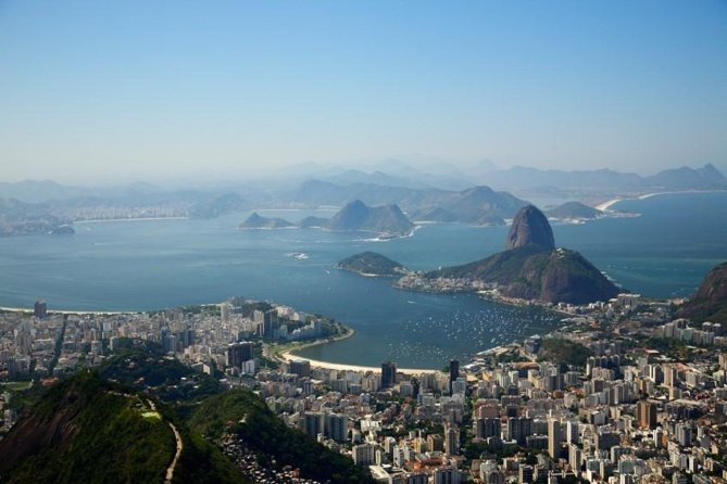 Enjoy convenience and peace of mind when you book a round trip Rio de Janeiro Airport Transfer. Avoid the hassle of local transport and high cab fares, when you book your seat for a comfortable ride to your Rio de Janeiro hotel.