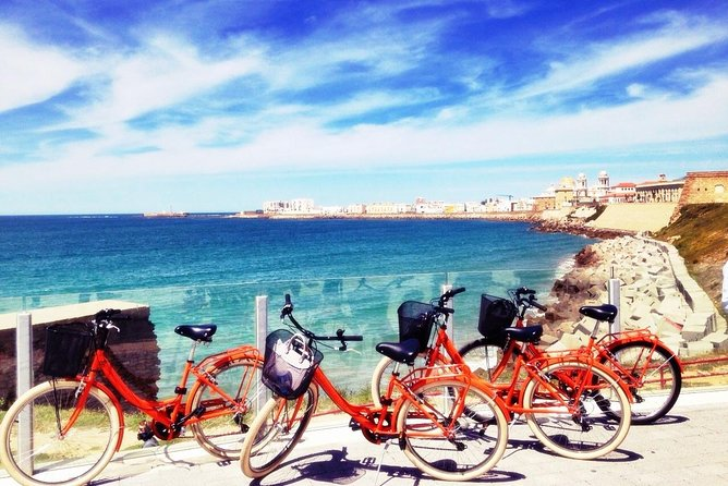This bike tour is a greatway to discover the beautiful city of Cadiz: its history, monuments, photographic gems, unexpected corners, and the daily life of the city. Enjoy anamazing ride with multilingual guides who helpyou learn aboutthe oldest city in Europe. The tour lasts about three hours and is a perfectactivity for all ages.