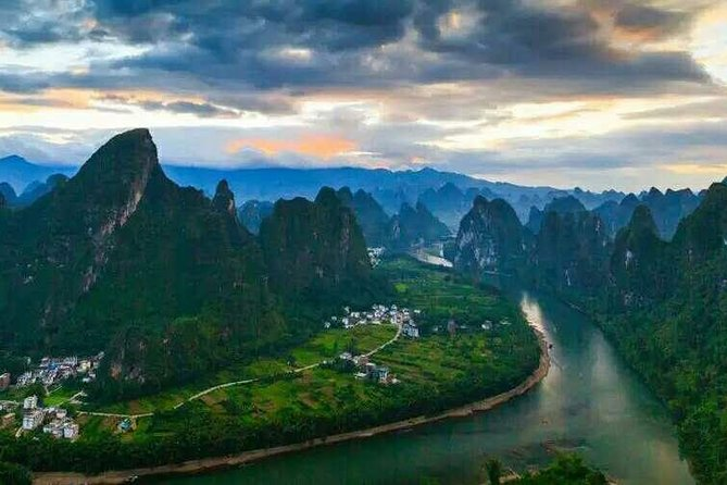 The best way to slowly take in the beauty of Guilin Li River and Yangshuo mountains – on your own two feet. The hiking time by foot is about 3 hours.