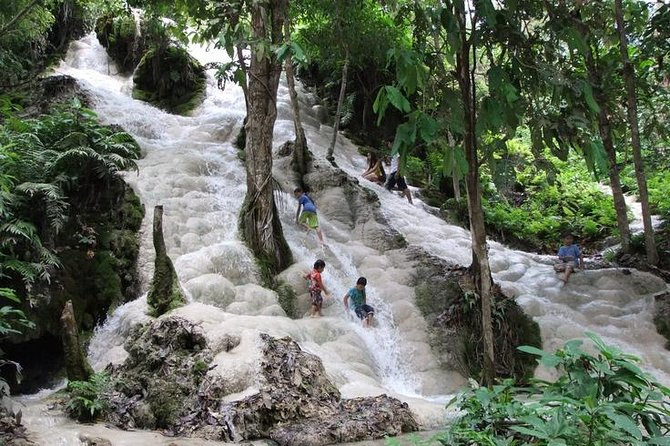 Excursión privada de Chiang Mai a las cataratas de Bua Thong con tirolina, Chiang Mai, TAILANDIA