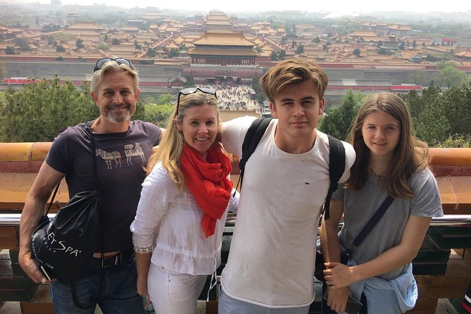 Come and join this worry-free private half day walking tour to both Tiananmen square andForbidden City. You private guide will prepare your Skip the line Forbidden City entrance ticket in advance, so you no longer need to wait in the long line.
