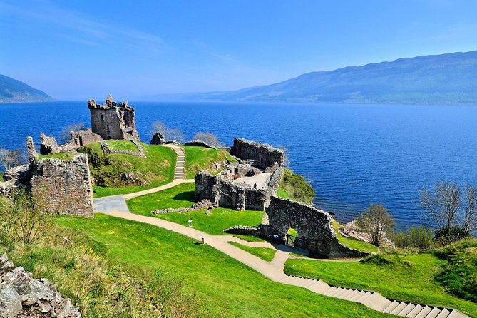 Discover one of the most attractive UK tourist destinations - the Highlands' capital, Inverness. The tour starts in Invergordon or Inverness and lasts 6 hours. Tour guide is provided along with all entrance fees.<br>