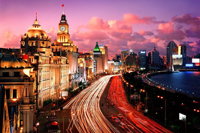 In this private evening tour, you will have the chance to enjoy the amazing night lights of Shanghai City. Besides visiting Old Shanghai Town, Xin Tian Di, Lujiazui commercial area and some 100 yearsold buildings in the city, you will also take the evening VIP Class cruise on the Hungpu River.