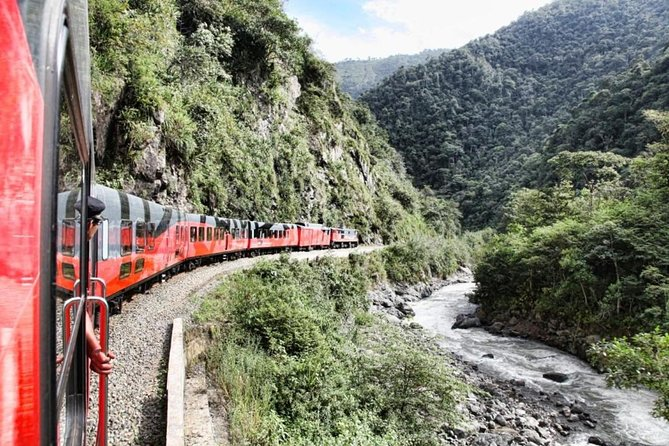 One of the finest and most daring feats of engineering that the world had seen, The Devil Nose train switchbacks down rocky slopes connecting the Andes mountains to the coast. In this tour not only will you get to ride The Devil Nose train, but also visit Ingapirca, the most important remains from the Incas in Ecuador.