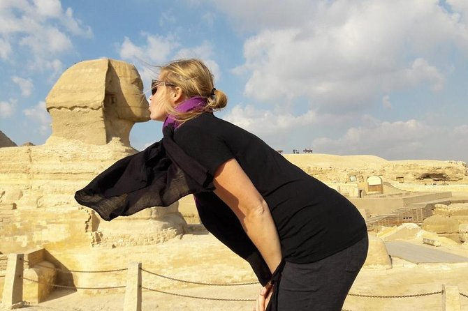 half day tour to Giza pyramids and sphinx by our tour guide and private van<br><br> total 4 hour half day tour include hotel pick up , tour to giza pyramids , sphinx and drop off<br>Private, full-day tour of Cairo's essential destinations Explore ancient sites and the Egyptian museum with an experienced guide Learn about Egypt's history and culture Enjoy the personalized experience of a private tour Find unique souvenirs at a renowned bazaar<br><br>