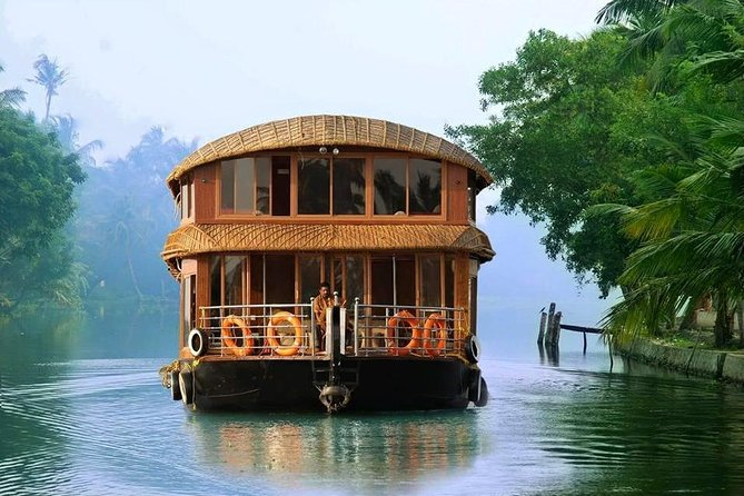 Group Tours for the Cruise Passengers to Kochi ( India)<br><br>You will be met at the side of the ship.<br><br>The tours are customised to suit the arrival and departure schedule of your ship to ensure you have a worry free Shore Excursion.<br><br>Air conditioned car/van/coach are used with local guides who are skilled and experienced <br><br>Backwater Houseboat Cruise<br>An early morning drive to Kumarakom and Cruise in the backwaters for 3 hours.<br><br>After backwater cruise an orientation drive to Fort Kochi heritage area with photos stops at Chinese Fishing Nets.<br><br>
