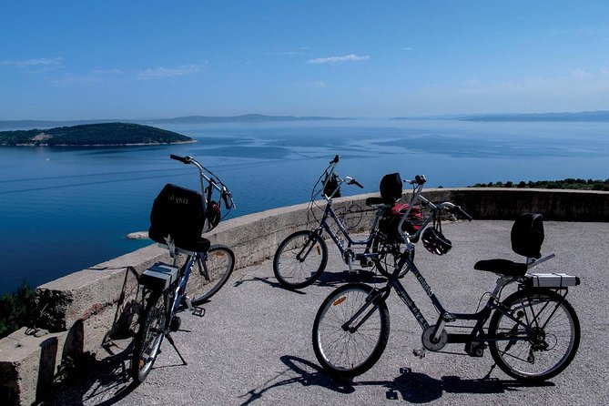 Enjoy a scenic ride on the beautiful Marjan hill, located in the very center of Split. Climb to the top with no strain using our state of the art electric bikes. Breathtaking views and unforgettable photos guaranteed!