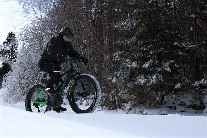 On this tour, you can enjoy the pleasures of winter in a whole new way, This electric powered bike is specially built to traverse the winter terrain for a truly unique experience through the trails of Mont-Tremblant. Wind through the forest enjoying the beautiful landscapes after dark comfortably aboard this bike because the motor keeps you riding easy the whole way!