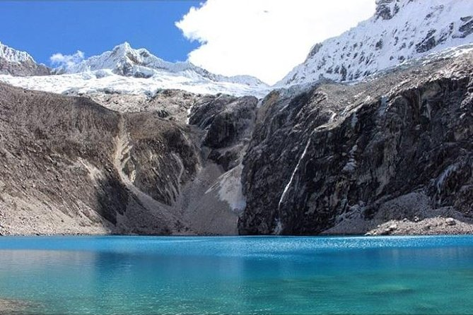 Lake 69 is the most beautiful lake in the Cordillera Blanca and it has become popular by its easy reach in just a one day hike. We offer one day hiking services including a hiking guide and a transfer from Huaraz with daily departures. By hiking the 69 lake from the trail, you will enjoy the wonderful mountain views of Pisco 5752masl Chacraraju 6112masl, Yanapacha 5460masl, and Huascaran 6678masl northern and southern peaks.<br>