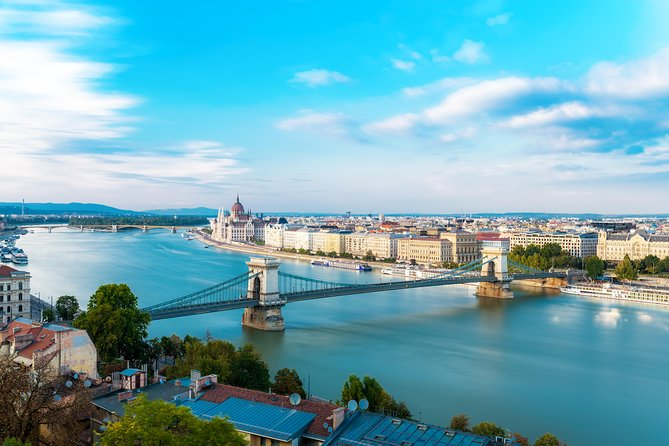 This 4-hour walking tour with a friendlyprivate guide willprovide you with an overview of Hungarian history and culture.While visiting the outstanding sights of Budapest, walking in the City Park, Andrássy Avenue, exploring the downtownarea and the Castle District, your guide will share with you not only historical facts,but also insiders' stories about the city.You willenjoy acoffee and cake-breakinone of the fancy cafés, seethe breathtakingview from Fishermen's Bastion, travel witha120 year-oldunderground and get information about the present way of life in Hungary.