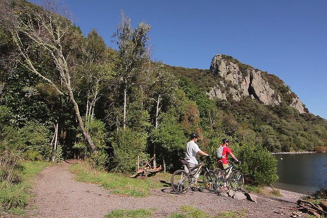 Western Bay Scenic 2 Day Mountain Biking Tour<br><br>Ride the Great Lake Trail on this 2-day Grade 3 mountain biking tour, a perfect way to enjoy the breathtaking scenery of the Great Lake Taupo region. You will be biking the 19.5 km Kawakawa section (Orakau & K2K) on Day 1 and the 21km W2K section on Day 2. The Great Lake Trail is one of the most popular trails of the New Zealand Cycle Trail network. You will be riding along undulating pumice trails through native forest and wetlands, where the landscape unfolds to reveal stunning views across the water to the majestic volcanic mountains of the Tongariro National Park. Dramatic scenery combines with serene lake views, powerful waterfalls, native bird song and incredible trail quality to deliver an unforgettable experience.