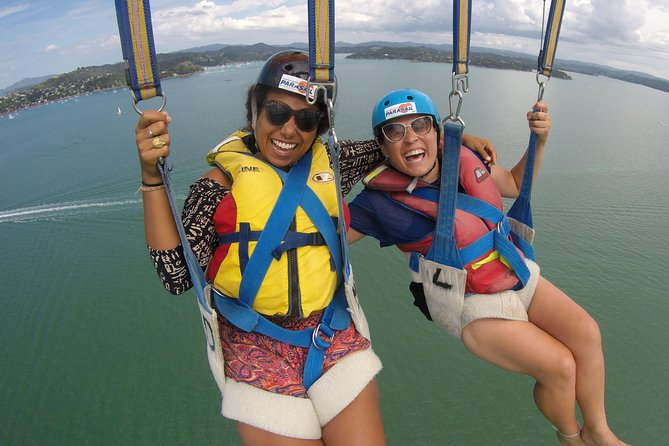 "Go Parasailing in a tandem or triple flight with your friends<br>NZ's HIGHEST Parasailing at 1300ft of towline. <br>Enjoy fantastic sceneries over the Bay of Islands with views over Russell, <br> the outer Islands and even to the ""hole in the Rock"". <br>More than 30 years experience within the Parasailing industry <br>Suitable for all ages, no physical or age restrictions <br>"