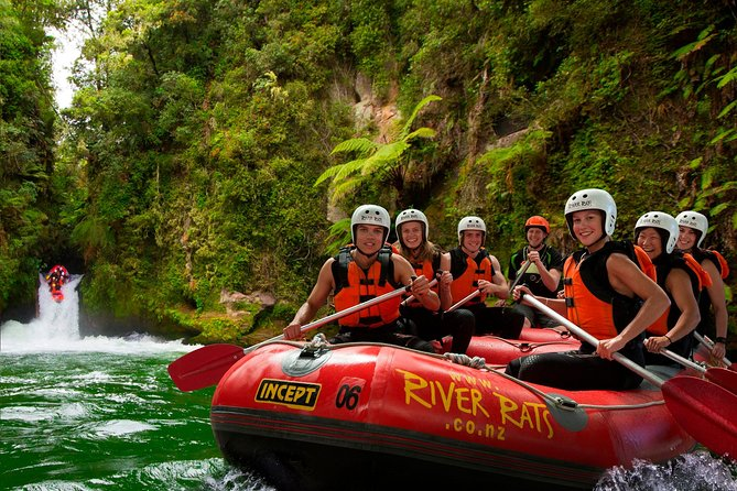 Kaituna River features grade 5 rapids plus the awesome 7 meter (23 feet) Tutea Falls, the worlds highest commercially rafted waterfall. Take the ultimate thrill ride on this Kaituna River white water rafting tour.