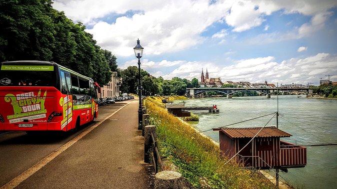 Excursão em ônibus da City Sightseeing na Basileia, Basilea, Suíça