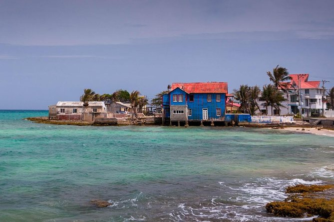 Explore the main spots of San Andrés, part of an archipelago in the 'Sea of Seven Colors,' named for its variant shades of blue and green Caribbean waters on coral reefs. Take a private tour ofthe island with your personalguide, stopping for photo ops at caves and a blow hole, and swim in a natural rock pool.