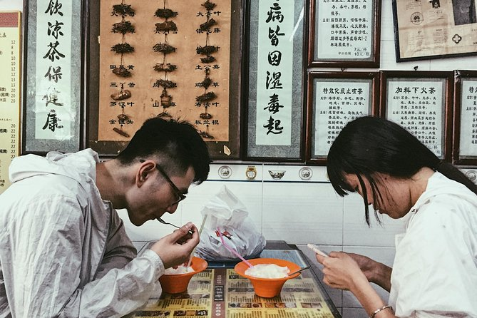 Follow our local guide and head towards Shekou Old Street to taste ten dishes at night! The best street food ever! <br><br>Note: The tourist route should not be less than 2 persons , or it will be cancelled automatically . <br><br>The plan<br><br>Start: meet me at Dongjiaotou Station<br><br>Stop 1: Niujiazhuang—a very popular small restaurant for beef lovers<br><br>Taste 1: Rice noodles with sirloin<br><br>Taste 2: Satay Lo Mein<br><br>Stop 2: Jiahua Snacks Shop<br><br>Taste 3: Rice dumplings with seafood<br><br>Taste 4: Rice dumplings with meat, egg, and mushroom<br><br>Taste 5: Siu Mei soup rice<br><br>Taste 6: Steamed rice rolls<br><br>Stop 3: Baicaotang<br><br>Taste 7: Guiling Jelly<br><br>Taste 8: Double-skin milk<br><br>Taste 9: Sesame Paste<br><br>Taste 10: Mango and coconut milk tapioca pudding