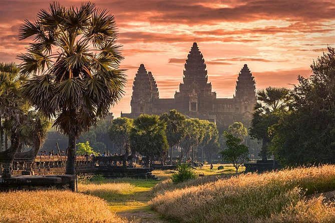Experience the best of Siem Reap and Phnom Penh in 5 days and 4 nights with a small group and professional guide. Marvel at the vastness and complexity of Angkor Wat Archaeological Park, World heritage site listed by UNESCO. Enjoy Angkor sunset and its rich culture. Pay respect and understand Cambodia's tragic past in Phnom Penh at Genocide Museum and Killing Fields and move on to see its present-day beauty of Silver Pagoda, Royal Palace, and independence monument. Small group with a max of 10 people, with accommodation, transports and entrance fees.
