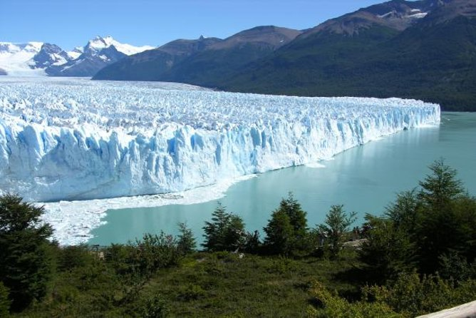 Fly from Buenos Aires to El Calafate for a 3-night Patagonian adventure! Just three hours away by air, the town of El Calafate provides easy access to Los Glaciares National Park, a UNESCO World Heritage site. <br>On Day 2, take a tour of the Los Glaciares National Park to discover its most famous natural wonder: the Perito Moreno glacier, where you take a boat to navegate through Lake Rico, get close to the glacier and appreciate the ice walls with its continuous landslides on the waters. This experience also includes a whole day of free time to explore El Calafate however you wish. You have your choice of 3-, 4- or 5-star accommodation; flights and breakfast are included.